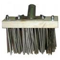 Balai métal pour brossage des mousses de toiture